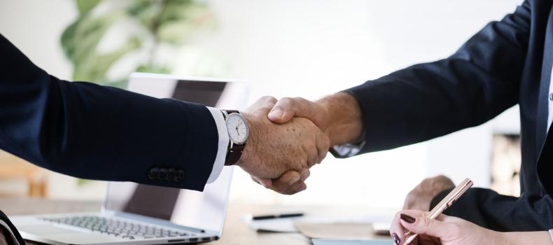 hand-shake-business-finance