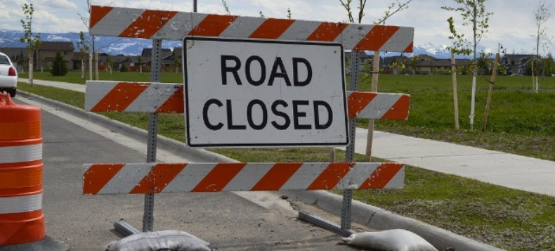 road-block-sign-to-personal-finance